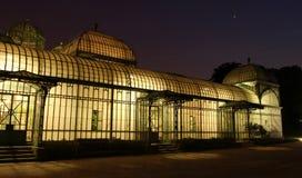 Invernadero real en la noche Fotos de archivo libres de regalías