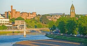 Inverness-Schloss und Fluss Ness. stockbilder