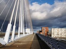 inverno-céu sobre De Zaanse Schans na Holanda Imagens de Stock Royalty Free