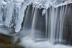 Inverno, cascata dell'insenatura di Orangeville fotografia stock libera da diritti