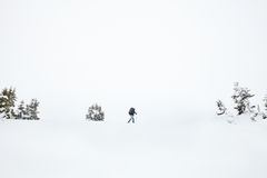 Inverno che fa un'escursione nelle alpi Fotografie Stock Libere da Diritti