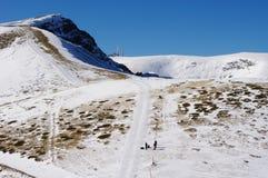 Inverno che scala su Botev di punta, Bulgaria Fotografie Stock Libere da Diritti