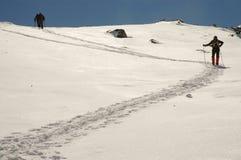 Inverno che trekking in montagne di Retezat, Romania Fotografia Stock Libera da Diritti