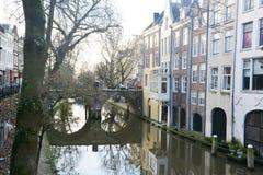 Inverno-cielo sopra De Zaanse Schans in Olanda immagini stock