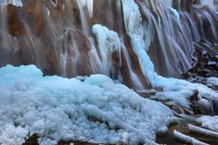 Inverno do vale do jiuzhai da cachoeira do banco de areia da pérola Fotografia de Stock