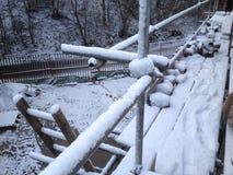 inverno em um terreno de construção Fotos de Stock