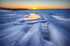 Inverno field campo montanhoso pitoresco foto de stock royalty free