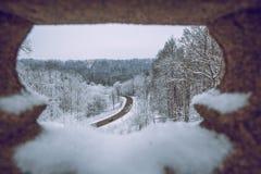 inverno frio em Letónia Natureza branca e tempo frio fotografia de stock