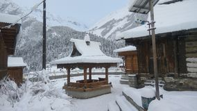 inverno Himachal Pradesh de Chhitkul da neve foto de stock