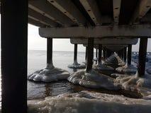 Inverno in Lituania Palanga sotto il ponte Fotografie Stock Libere da Diritti