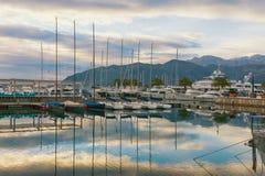 Inverno Montenegro Porto nella città di Teodo fotografia stock libera da diritti