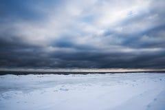 inverno na costa Báltico foto de stock royalty free