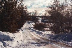 Inverno na vila do russo Imagens de Stock