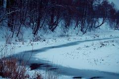 Inverno Neve congelata del fiume Immagine Stock Libera da Diritti