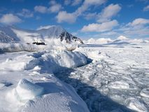 inverno no ártico - gelo, mar, montanhas, geleiras - Spitsbergen, Svalbard Fotografia de Stock Royalty Free