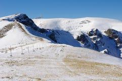 Inverno que escala em Botev máximo, Bulgária Foto de Stock Royalty Free