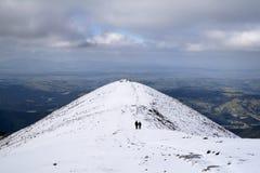 Inverno que trekking Fotografia de Stock Royalty Free