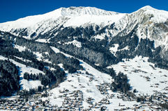 Inverno in simmental, Svizzera Immagini Stock
