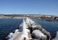 Inverno su Seneca Lake dal pilastro della roccia Immagine Stock