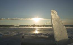 Inverno sul fiume di Niva fotografie stock libere da diritti