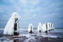 Inverno sulla riva del Mar Baltico in Kuehlungsborn, Germania Fotografia Stock