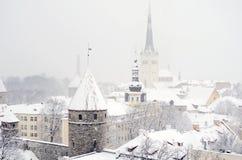 Inverno Tallinn nevosa Vista di vecchia città Fotografie Stock Libere da Diritti