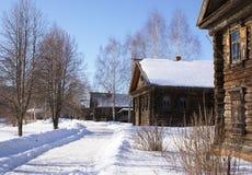 Inverno in vecchio villaggio Fotografie Stock
