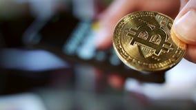 Inversión en negocio del cryptocurrency del bitcoin Tecnología global del blockchain almacen de video