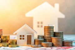 Inversión inmobiliaria Concepto del dinero del ahorro Fotos de archivo