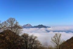 Inversion au-dessus de l'Autriche Images stock