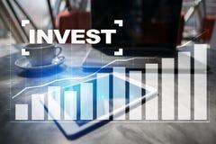 Investa il ritorno su investimento Conceptual finanziario Image Concetto di affari e di tecnologia immagine stock libera da diritti