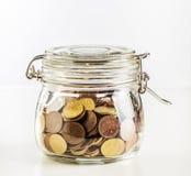 Investeer in bitcoincoin in kruik stock foto