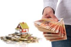 Investeer in onroerende goederen. royalty-vrije stock afbeelding