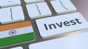 Investeer tekst en vlag van India op de knopen op het computertoetsenbord De zaken brachten conceptuele 3D animatie met elkaar in stock illustratie