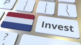 INVESTEER tekst en vlag van Nederland op de knopen op het computertoetsenbord De zaken brachten conceptuele 3D met elkaar in verb stock illustratie