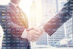 Investering in het effectenbeursconcept stock afbeelding