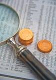 Investering: stuiver aandelen. stock afbeeldingen