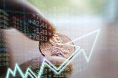 Investeringen die Concept kweken door Samengestelde interest & Dividendherinvestering stock foto
