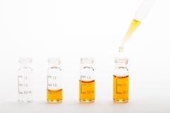Investigación química - preparación de la muestra Imágenes de archivo libres de regalías