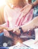 Investigación virtual del márketing del interfaz del gráfico del icono de la conexión global Compañeros de trabajo jovenes Team A fotos de archivo libres de regalías