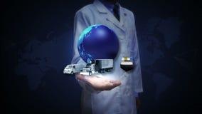 Investigador, palma abierta del ingeniero, red global cada vez mayor con el aeroplano, tren, nave, transporte del coche, mapa del almacen de metraje de vídeo