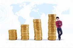 Investimento crescente do ouro Fotos de Stock Royalty Free