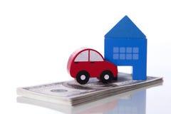 Investimento do carro e da casa Imagem de Stock Royalty Free
