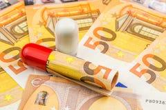 Investimento empresarial de Pharma com 50 euro novos como um fundo Fotografia de Stock Royalty Free