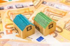 Investissement productif d'entreprise immobilière avec de nouveaux 50 euros comme fond Photos stock