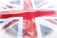 Investissements à l'étranger avec les Etats-Unis cent qualités de Bill With British Flag High du dollar image libre de droits