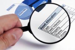 Investitions-Check - Fokus auf Text Stockfoto