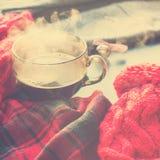 Invierno caliente Autumn Time New Year del vapor de la taza de té foto de archivo libre de regalías