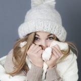 Invierno caliente de moda con ropa cómoda caliente Foto de archivo libre de regalías