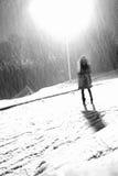 Invierno de la hembra de la silueta Imagen de archivo libre de regalías